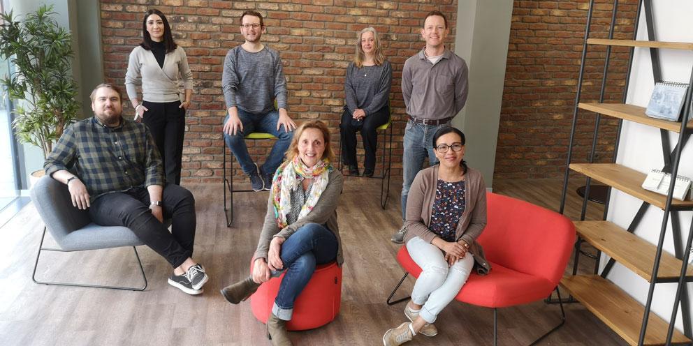 Bild mit 7 Personen, Beraterinnen und Berater der JBA